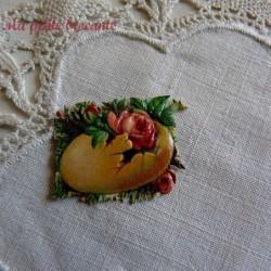 Chromo ancien thème Pâques fleurs dans un oeuf jaune