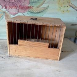 Belle petite cage pour oiseau