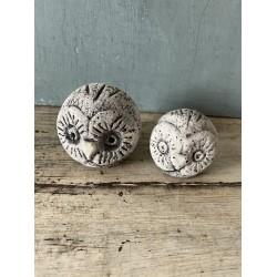 Lot de deux chouettes en pierre grise