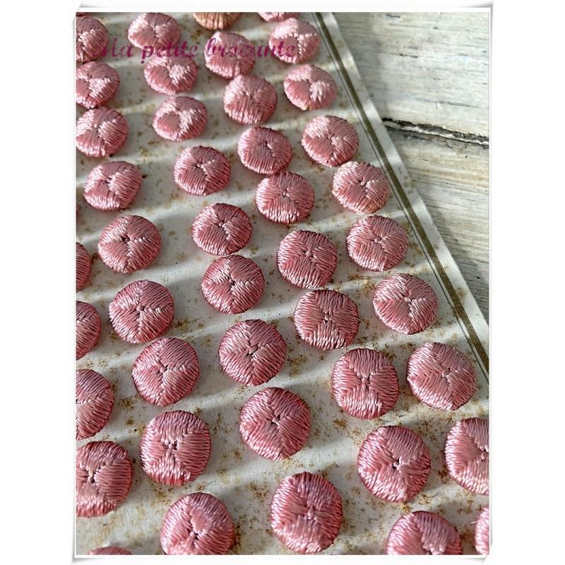 Plaque boutons en fil de soie rose passementerie maison Gidoin Boudet & Cie