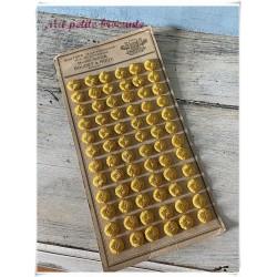 Plaque boutons en fil de soie jaune passementerie maison Gidoin Boudet
