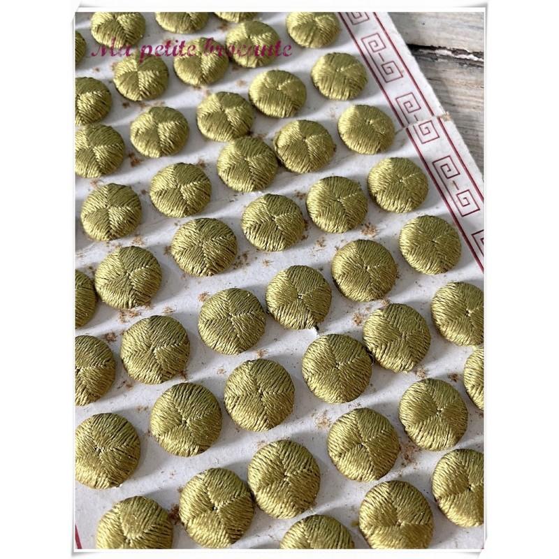 Plaque boutons en fil de soie vert  passementerie