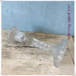 Bougeoir en verre moulé