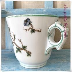Tasse brulot XIXème décor floral en porcelaine de Paris