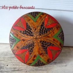 Belle boîte ancienne en bois décor géométrique