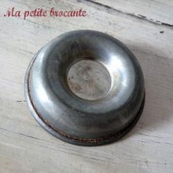 Mini moule à savarin individuel en fer blanc diamètre 7 cm