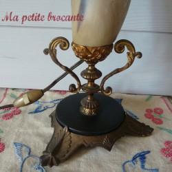 Lampe de table en corne bovine