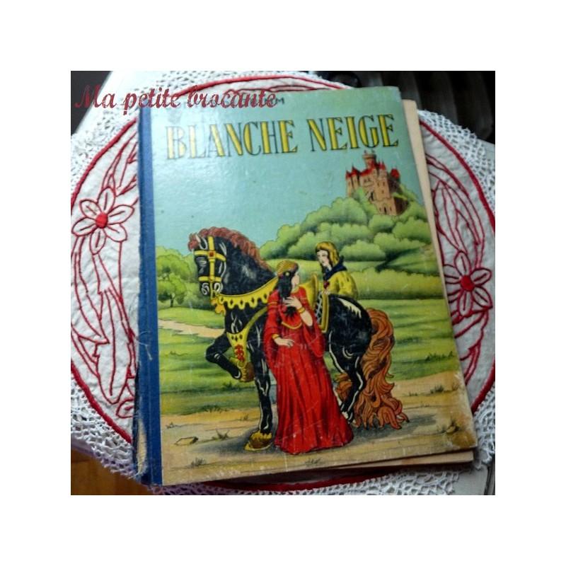 Blanche Neige contes de Grimm éditions Touret Paris