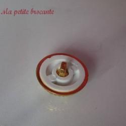 Bouton ancien en plastique vintage blanc diamètre 2.5 cm