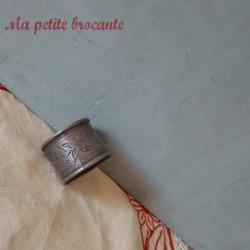 Rond de serviette en étain souvenir du Sacré Coeur Montmartre